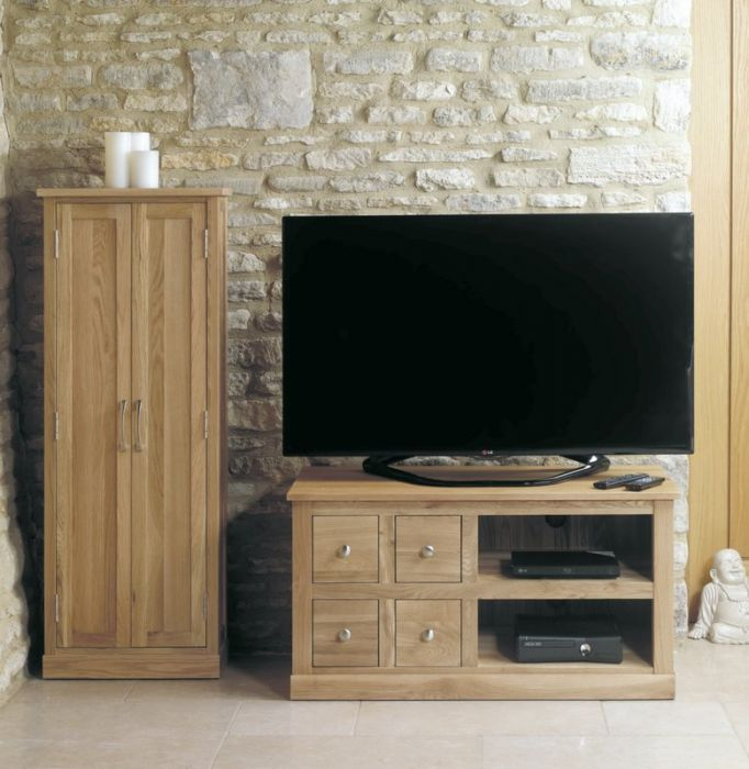Mobel Oak Four Draw TV Unit